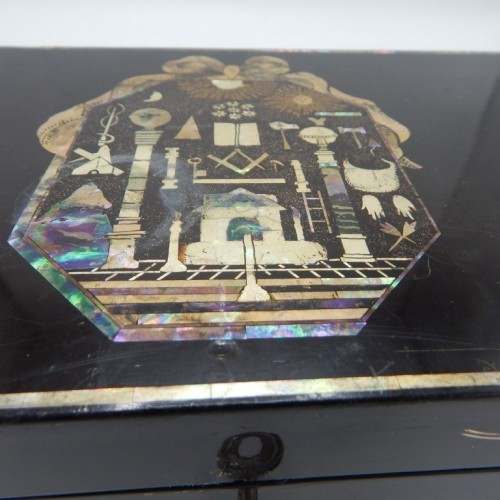 c.1800 Japanese masonic laquer box